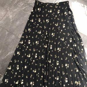 Glamorous Joneswear Maxi Skirt